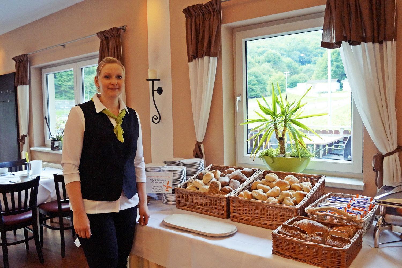 Frühstücksmitarbeiterin Regiohotel Schanzenhaus Wernigerode