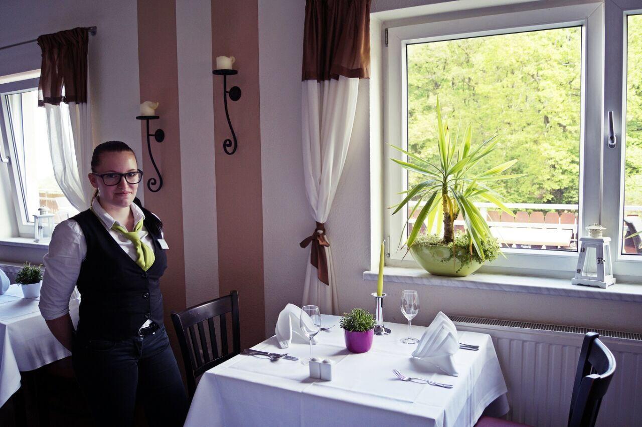 Servicemitarbeiter Regiohotel Schanzenhaus Wernigerode