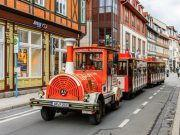 Bimmelbahn auf dem Weg zum Schloss Wernigerode
